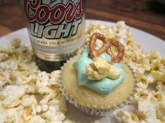 Coors Beer cupcakes, whitneylabrie.com
