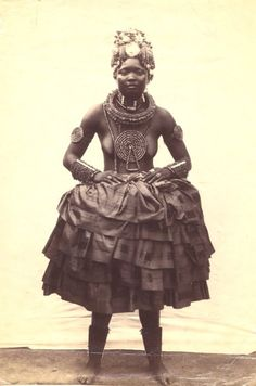 "IBIBIO PEOPLE:THE MOST ANCIENT NIGERIAN ETHNIC GROUP AND THEIR FAMOUS ""EKPO"" SECRET SOCIETY (Ibibio wedding dress)"