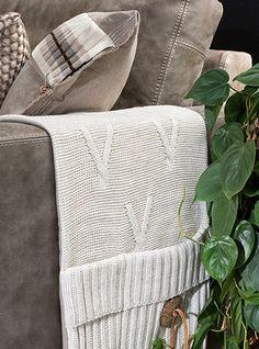 Pocket Aran is een handig maar ook zeker een stijlvolle toevoeging aan je bank. #pocket #accessoires #interieur
