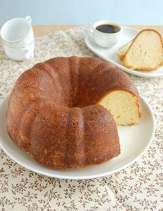 Butter Rum Cake / Bolo amanteigado de rum by Patricia Scarpin