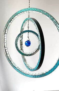 Gorgeous handcrafted and hand painted kinetic art, enhances and lifts the energy in a lighted space. Mosaic Garden Art, Mosaic Art, Mosaic Glass, Glass Art, Mosaics, Garden Spheres, Diy Wind Chimes, Kinetic Art, Mosaic Projects