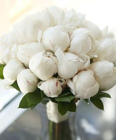 Beautiful bouquet for the table....... Inspired By: Shades of Ivory