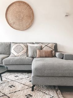 Living room - Look inside interiorbyamb Boho Living Room, Living Room Sofa, Living Room Interior, Room Decor Bedroom, Home And Living, Living Room Decor, Living Room Inspiration, Home Decor Inspiration, Japanese Home Decor