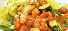 Indian prawn curry with cardamom cabbage Prawn Curry, Indian Food Recipes, Ethnic Recipes, Cabbage Recipes, Slimming World, Food To Make, Salsa, Recipes For Kale, Gravy