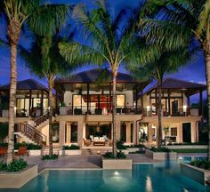 Captiva House Tropical Exterior with pool, palms and a spacious outdoor area. Ideal for luxury living! Villa Design, Style At Home, Conception Villa, Mansion Homes, Modern Mansion, Tropical Design, Tropical Style, Tropical Decor, Tropical Houses