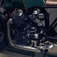 '81 Honda CX500 Cafe Racer by PopBang Classics Nonostante problemi come il serbatoio dallo strano posizionamento ed il telaietto posteriore piuttosto antiestetico, la Honda CX500 è una base che continua ad essere apprezzatissima nel mondo delle moto Special. Abbiamo già visto realizzazioni degne di nota, come questa, ma l'ultima creazione del Garage Australiano PopBang Classics ci ha lasciato …