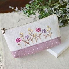 I like flower embroidery. I want to embroider many times . お花の刺繍は飽きないなぁ〜。 #刺繍 #stitch #handmade #ポーチ