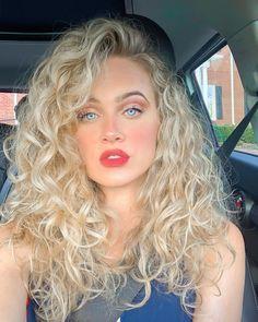 Curly Hair Cuts, Wavy Hair, Dyed Hair, Curly Hair Styles, Bleach Blonde Hair, Blonde Curls, Hair Inspo, Hair Inspiration, Good Hair Day