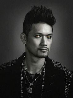 Magnus Bane - New promotional photo #ShadowhuntersSeason2