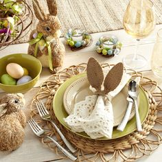 Burlap/Neutral Easter Tablescape ... Opt for a natural table setting if you're not big on bright holiday decor