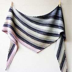 Ravelry: Stone Layers pattern by Lisa Hannes