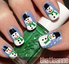 christmas nails, yes please!
