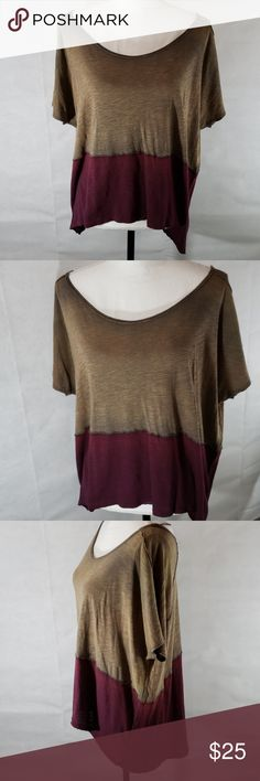 9c91606c8e8 《Free People》Oversized Tunic Small Two Toned Over-sized tunic style top.