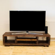 Simple Tv Stand, Diy Tv Stand, Reclaimed Wood Tv Stand, Solid Wood Tv Stand, Tv Stand Minimalist, Tv Stand Plans, Tv Stand Designs, Wooden Tv Stands, Desks For Small Spaces
