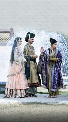 Beautiful Pic Of Bollywood: Priyanka, Ranveer, Deepika