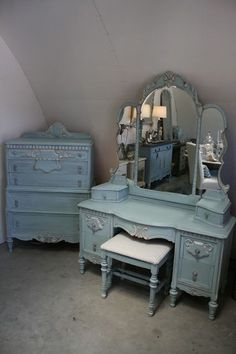 Reloved Rubbish: Vintage Aqua Dresser and Vanity Set painted in Chalk Paint® decorative paint in 3 parts Old White to 2 parts Provence. Old White on Trim. Graphite wash over all. Decor, Shabby Chic Dresser, Furniture Makeover, Painted Vanity, Repurposed Furniture, Home Decor, Shabby Chic Furniture, Vintage Furniture, Chic Furniture