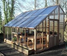 10 Wonderful and Cheap DIY Idea for Your Garden 10                                                                                                                                                                                 More #greenhousefarming
