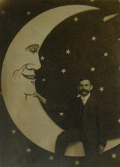 paper moon vintage photo