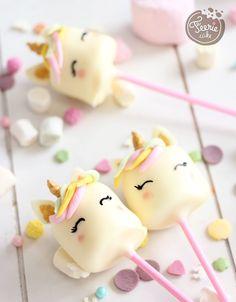 Das Einhorn war der Trend des Jahres, aber haben Sie auch Marshmallow-Einhörner verköstigt oder verschenkt? Auf geht's! Ein zwei Handgriffe und schon fertig