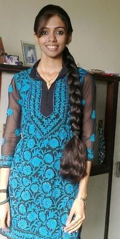 Kerala long hair girl with thick braid Super Long Hair, Big Hair, Easy Hairstyles For Long Hair, Braided Hairstyles, Long Haircuts, Indian Long Hair Braid, Indian Braids, Natural Hair Styles, Long Hair Styles