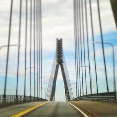 Elämää maalaismaisemissa: Raippaluodon silta