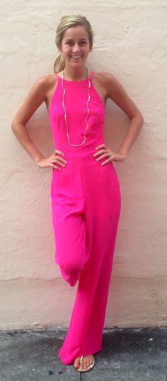 hot pink jumpsuit Love this! Pink Fashion, Fashion Pants, Fashion Outfits, Fashion Jumpsuits, Mr T, Pink Jumpsuit, Classy And Fabulous, Pretty Dresses, Hot Pink