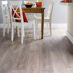 The Waterproof Laminated Flooring That Can Turn Your House into a Luxurious House Grey Laminate Flooring, Waterproof Laminate Flooring, Best Flooring, Basement Flooring, Basement Remodeling, Kitchen Flooring, Hardwood Floors, Interior And Exterior, Interior Design