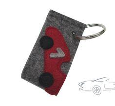 Schlüsselanhänger aus Filz / Wollfilz. Tolles Geschenk zum neuen Auto von Raeuberbart. Wool felt