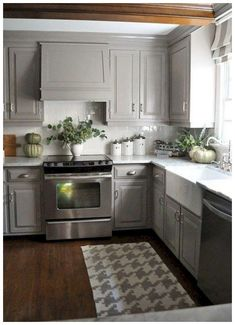 ✓ 60 Gray Farmhouse Kitchen Cabinet Makeover Ideas - Grey kitchen cupboards proceed to rise in recognition. With a wide range of totally different tones, Farmhouse Kitchen Cabinets, Painting Kitchen Cabinets, Kitchen Rug, Kitchen Flooring, Kitchen Countertops, New Kitchen, Kitchen Decor, Kitchen Ideas, 10x10 Kitchen