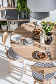 A Table top made from a material thickness of makes this Table very robust. The legs are made of solid beech wood, painted white in color. Modular Living Room Furniture, Living Room Furniture Inspiration, Dining Room Furniture, Luxury Furniture, Dining Room Sets, Dining Room Table, A Table, Round Glass Coffee Table, Large Sideboard