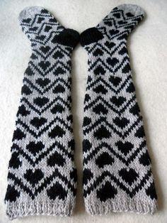 omⒶ KOPPA: KIRJONEULEVILLASUKAT Crochet Socks, Knit Mittens, Knit Or Crochet, Fair Isle Knitting, Knitting Socks, Black And White Socks, Lots Of Socks, Knit Art, Wool Socks