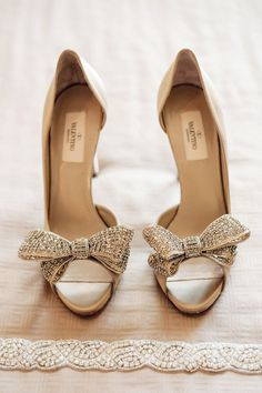 Valentino bow heels, perfect for bridal accessory. Wedding shoes #Weddingshoes #bridalshoes