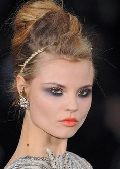 MAC Cosmetics Eye MakeUp Tips  Trends Hot Smoldering Smokey Eyes Fall Winter 2009 2010 - MAC - Cosmetics - Makeup