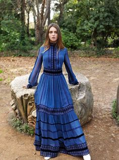 Pre-fall 2018 exclusively Tap link in bio and your Abaya Fashion, Fashion Outfits, Victorian Gown, Haute Couture Dresses, Gowns With Sleeves, Tea Length Dresses, Elegant Outfit, Cotton Dresses, Dress To Impress