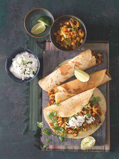 Jednoduché bezlepkové palačinky s pikantní náplní, kterou si zamilujete. Thing 1, Mexican, Ethnic Recipes, Food, Turmeric, Essen, Meals, Yemek, Mexicans
