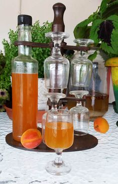 Alcoholic Drinks, Beverages, Marmalade, Beautiful Gifts, Cookbook Recipes, Greek Recipes, Coffee Drinks, Liquor, Barware
