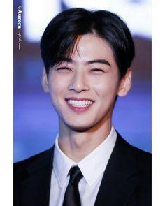 Korean Fashion – Designer Fashion Tips Lee Jong Suk, Cha Eunwoo Astro, Kim Young, Park Bo Gum, Lee Dong Min, Cute Asian Guys, Handsome Korean Actors, Kdrama Actors, Korean Celebrities