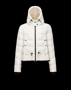 Discover VEANNE for Women  find out the product features and shop directly  from the Moncler 209de4caa5c