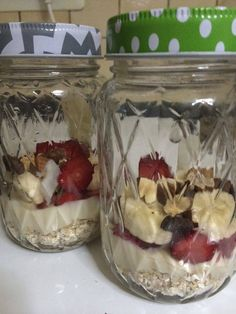 Friday- Here I meal Prep Foods for half the week...  One thing you can prepare for the week is  OVER NIGHT OATS! :)  I put oats, some rice or greek yoghurt, half a banana & some strawberies, almonds, coconut and some grated dark chocolate. you top it of with almond milk or skimmed milk in a mason jar and leave it in the fridge.
