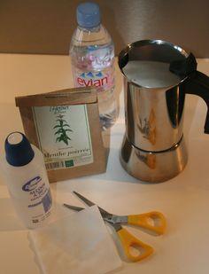 """Un petit article ce matin pour vous présenter en image ma méthode de fabrication d'""""hydrolat"""" ou eau végétale maison!... Que j'ai baptisée f..."""