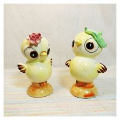 Vintage Chick Salt and Pepper Shakers Victoria Ceramics Made In Japan,... ❤ liked on Polyvore featuring home, kitchen & dining, serveware, pepper shakers, salt and pepper shakers, vintage salt pepper shakers, vintage salt and pepper shakers and vintage salt n pepper shakers