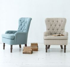 The button back Hound Dog armchair is a true classic and the perfect reading chair. Handmade in Britain, it comes with solid oak upholstered legs. Upholstered here in Cloud Blue vintage linen and Ecru classic linen -available in over 120 gorgeous fabrics. Bedroom Reading Chair, Reading Nook, Furniture Decor, Furniture Design, Modern Victorian Homes, Storage Design, Hound Dog, Occasional Chairs, Sofa Chair