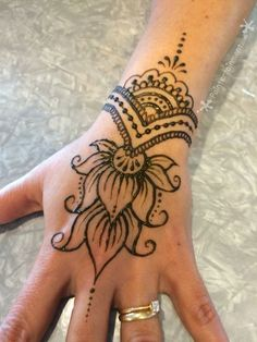 Advice About Hobbies That Will Help Anyone – Henna Tattoos Mehendi Mehndi Design Ideas and Tips Henna Tattoos, Henna Tattoo Designs Arm, Henna Ink, Henna Tattoo Hand, Henna Body Art, Lotus Henna, Simple Henna Tattoo, Flower Henna, Mandala Tattoo