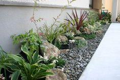 50 Vertical Garden Ideas That Will Change the Way You Think About Gardening - The Trending House Flower Landscape, Garden Landscape Design, Vertical Garden Design, Dry Garden, Home Landscaping, Contemporary Garden, Garden Structures, Back Gardens, Garden Styles