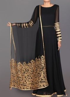 Black and Gold Embroidered Georgette Anarkali Designer Anarkali Dresses, Designer Dresses, Pakistani Outfits, Indian Outfits, Muslim Women Fashion, Celebrity Outfits, Celebrity Style, Fancy Blouse Designs, Look Chic