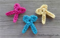 Fiber Flux...Adventures in Stitching: Free Crochet Pattern...One Round Bows!