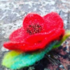 Poppy Brooches, Vintage Brooches, Winter Sale, Flower Brooch, Hair Pins, Poppies, Seeds, Christmas Gifts, Felt