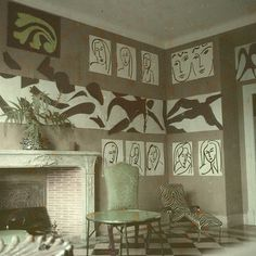 22-The Swimming Pool in Matisse's dining room at the Hôtel Régina, Nice, 1952.