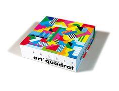 Puzzle za strpljive osobe koje vole šarene i neobične oblike. 40 samostalno osmišljenih komada su spojeni zajedno u formu 40x40cm. Za razliku od drugih slagalica, na Art Quadrat-u je moguće napravti novi oblik i kombinaciju boja svaki put kada igrate.