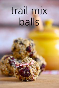 Chocolate Chip Quinoa Trail Mix Balls (updated recipe!) via @Jenna (Eat, Live, Run)